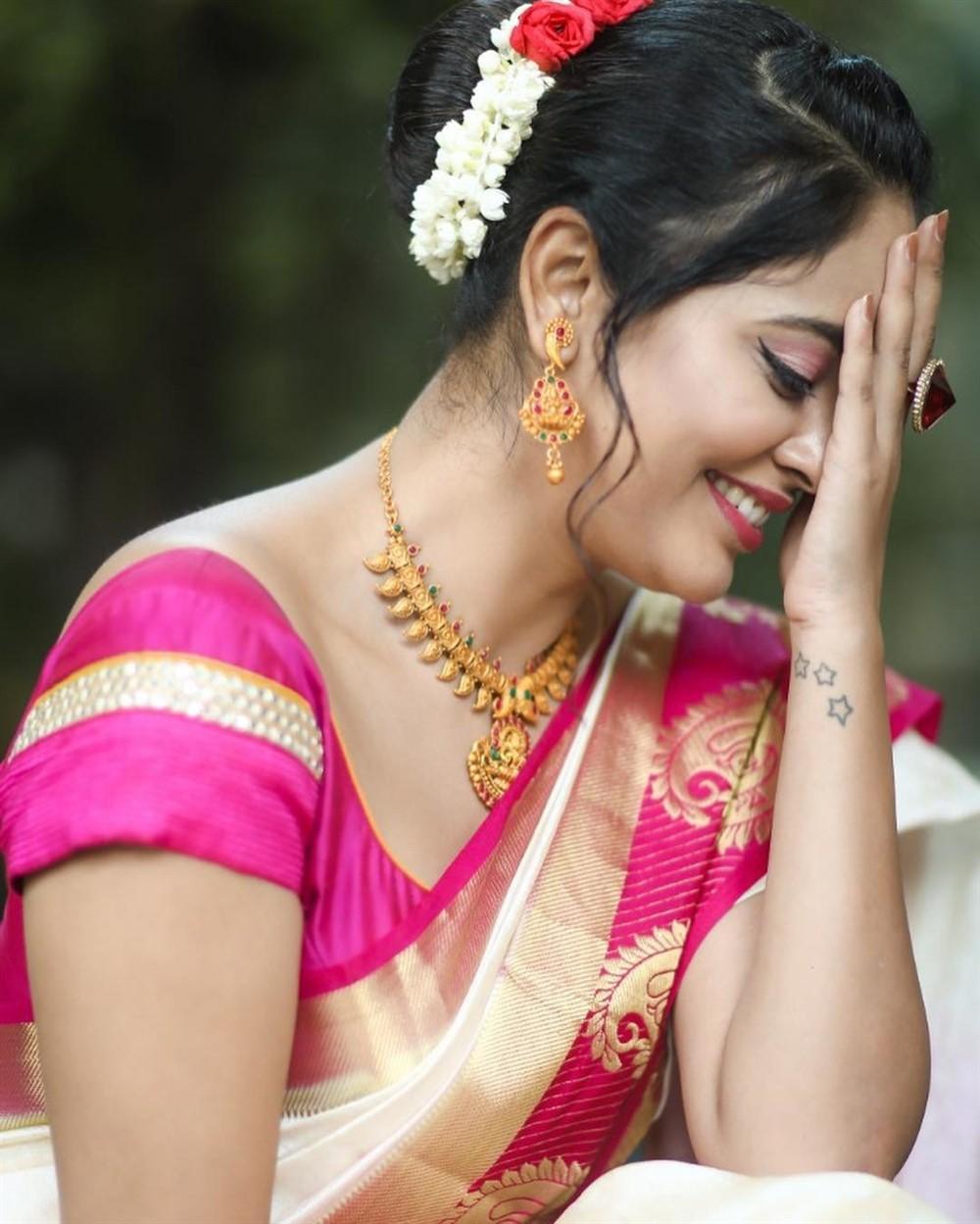 Actress Nandita Swetha Cute Smile Pics