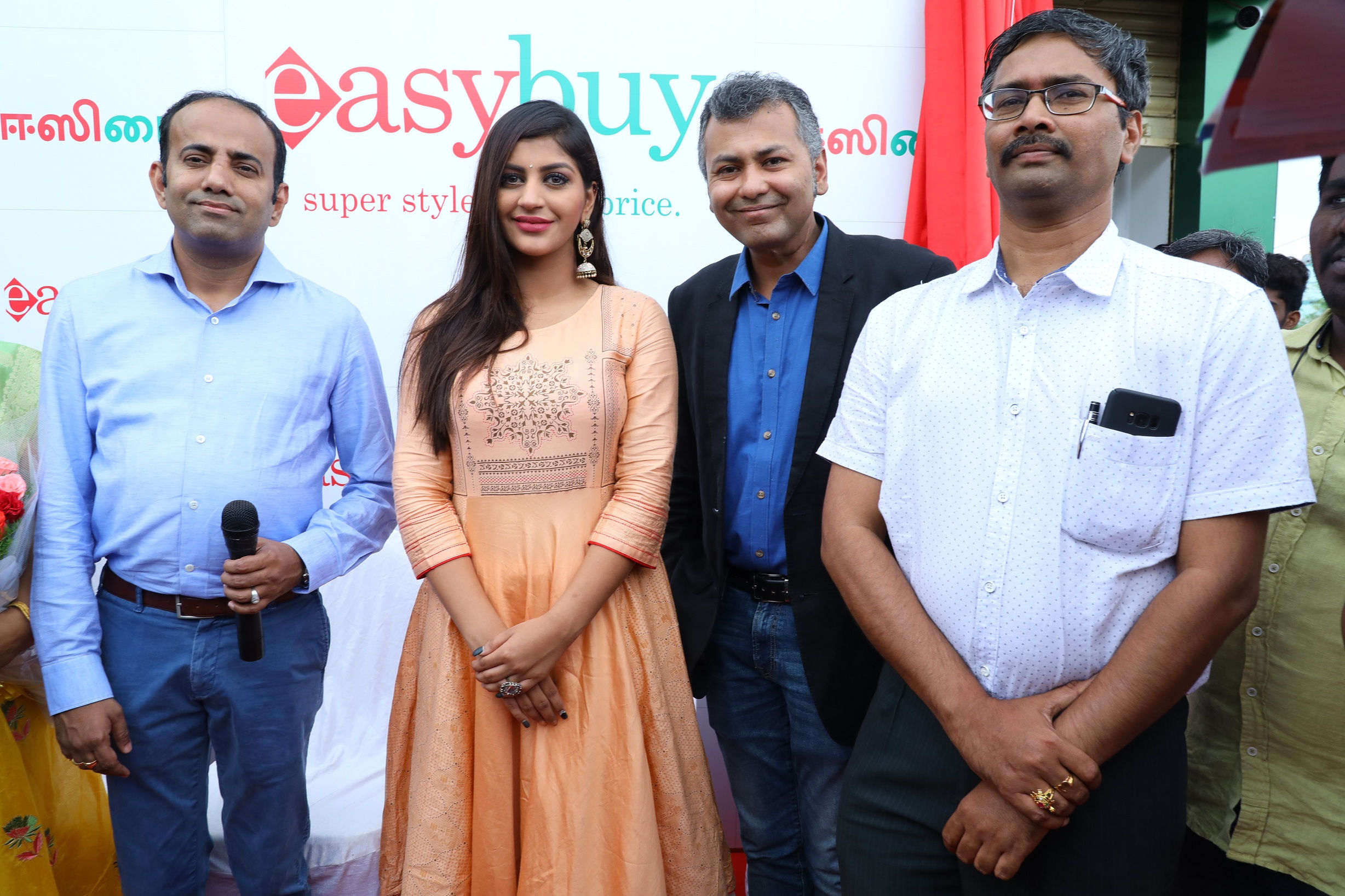 Actress Yashika Anand launched Easybuy's 12th Store in Tamilnadu at Ambattur