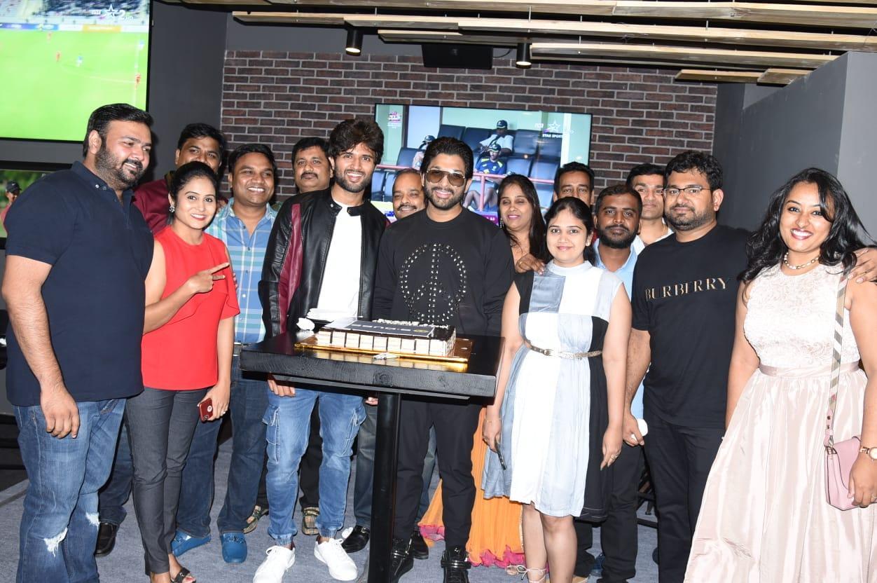Allu Arjun threw a lavish party for Taxiwala Team