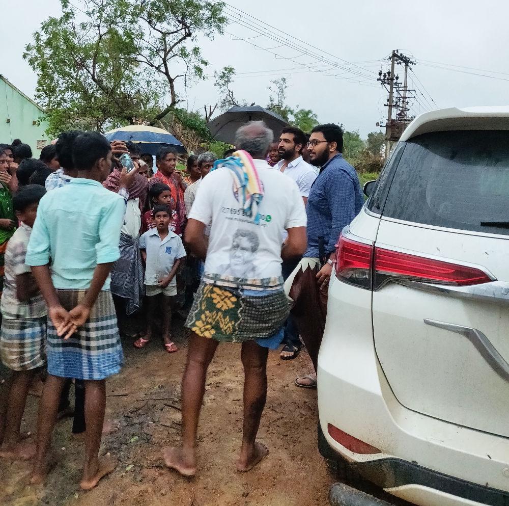 Arun Vijay visited Gaja affected areas