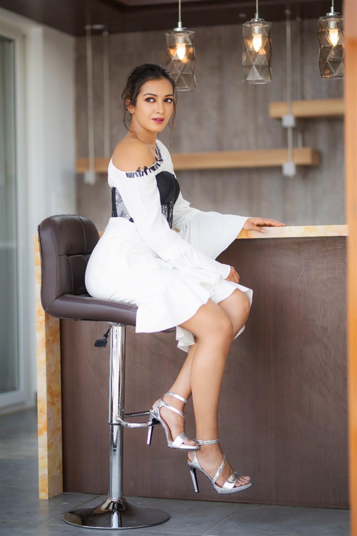 Actress Catherine Tresa New Hot Photoshoot Gallery