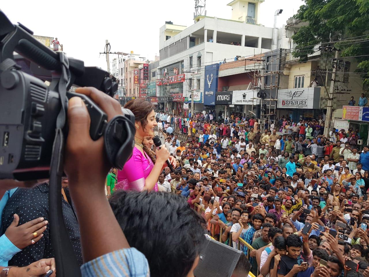 Actress Raashi Khanna launched CMR Store at Tirupati Photos