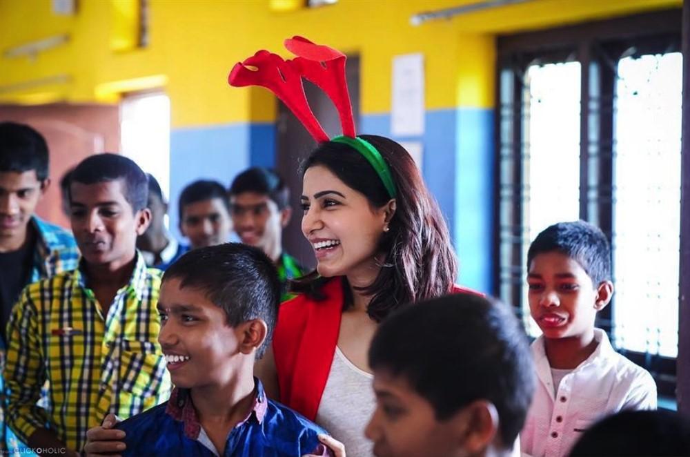 Actress Samantha Plays Santa For Desire Society Kids