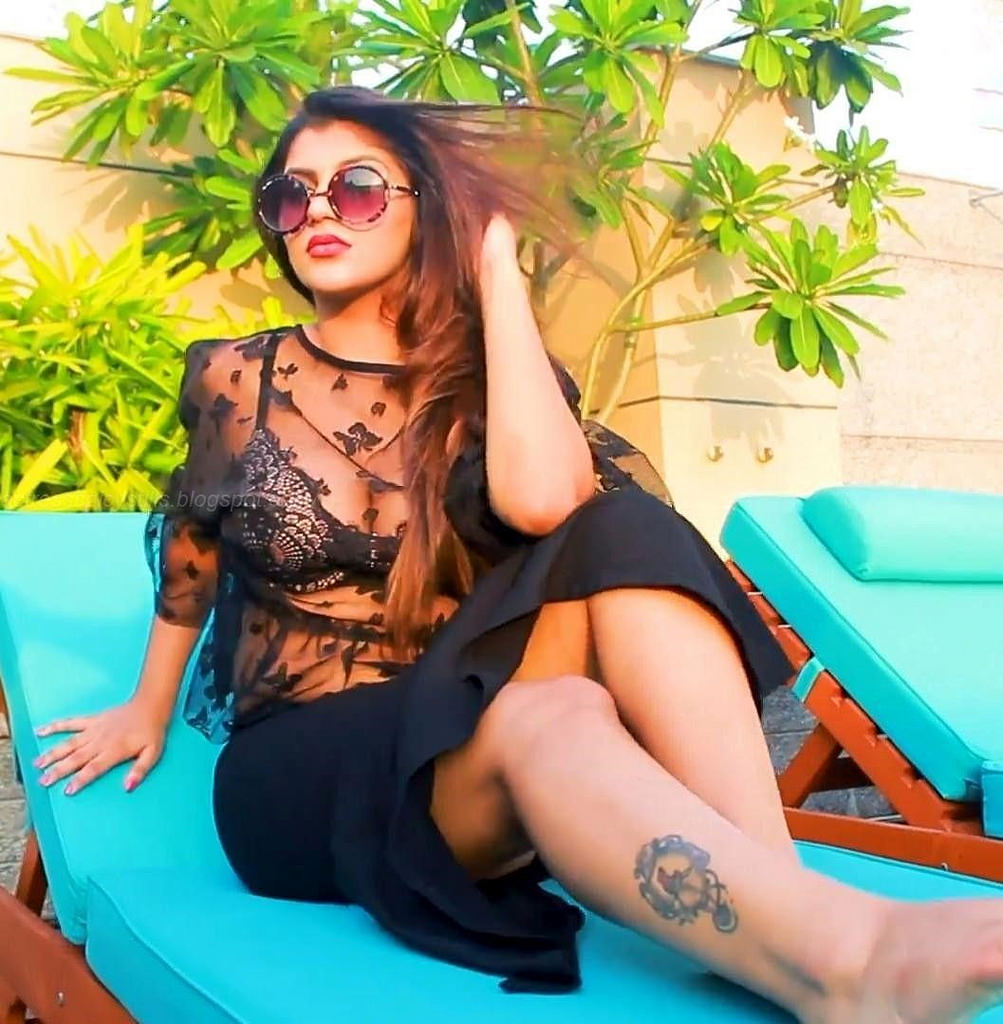 Actress Yashika Anand in Zombie Tamil Film