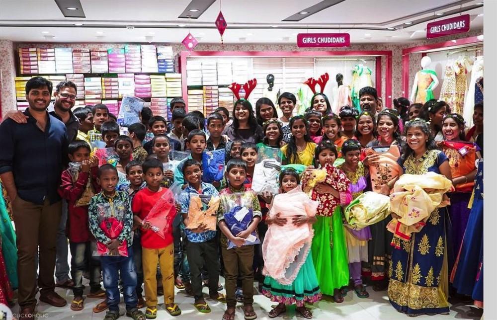 Telugu Actress Samantha Akkineni Plays Santa For Desire Society Kids