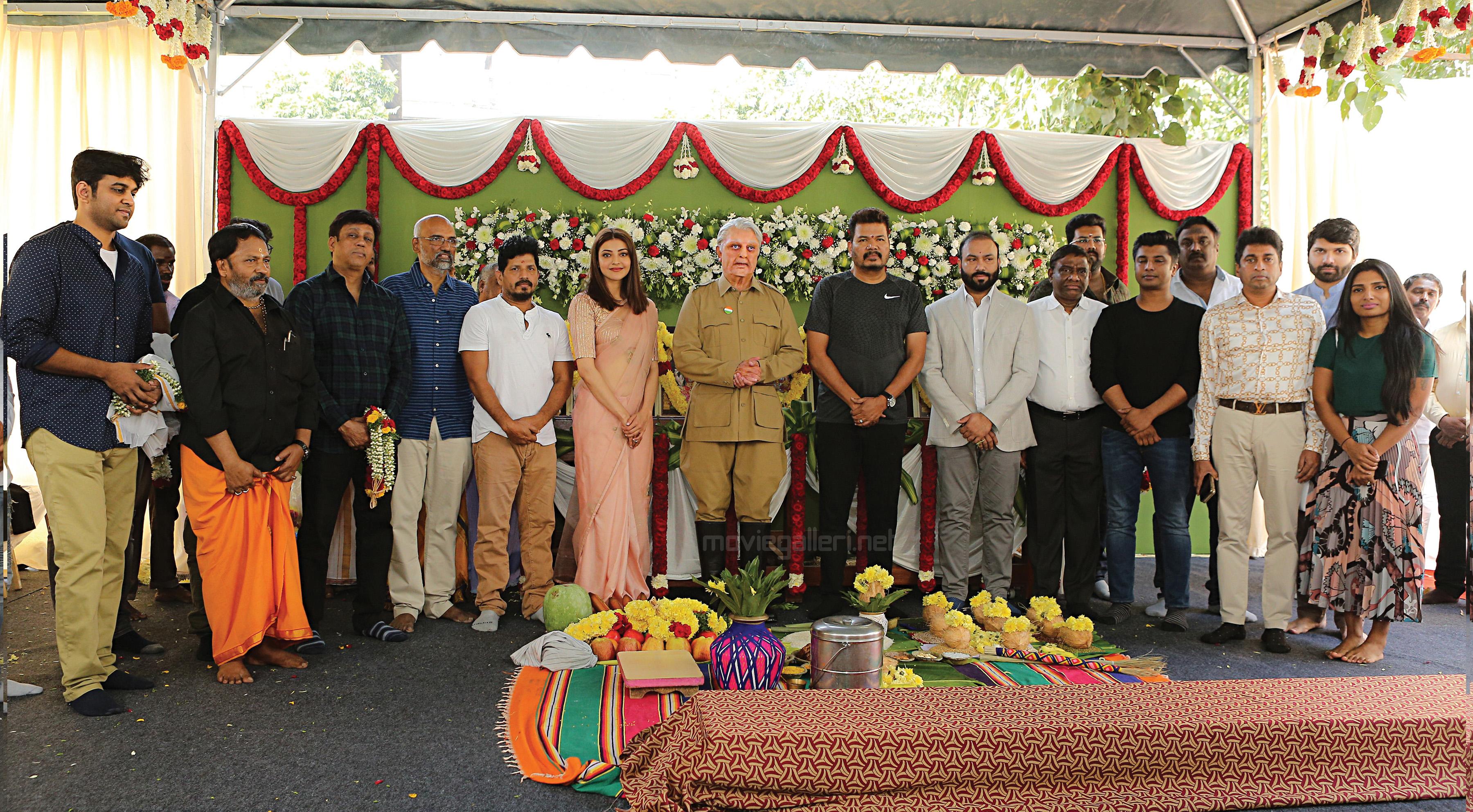 Kamal Kaasan, Shankar, Kajal Agarwal, Ravi Varman, Suresh URS, T Muthuraj, Kabilan Vairamuthu, Vivek, AM Rathnam, Karunamoorthy & Subaskaran at Indian 2 Movie Pooja Still HD.