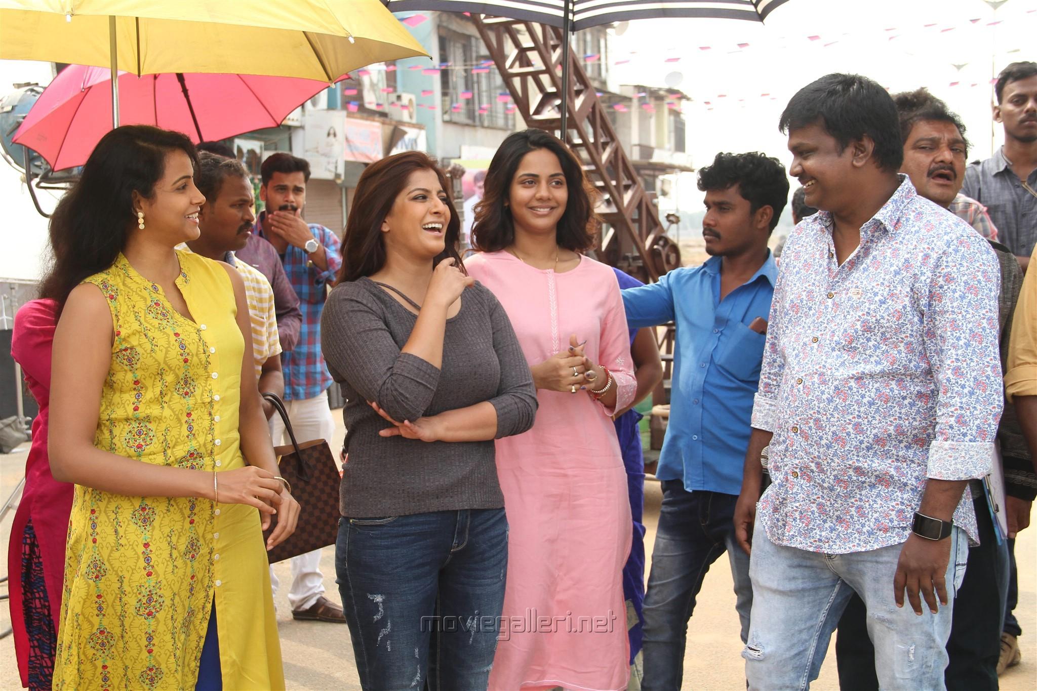 Subhiksha, Varalaxmi, Aishwarya Dutta, Sundar Balu @ Kannitheevu Movie Pooja Stills