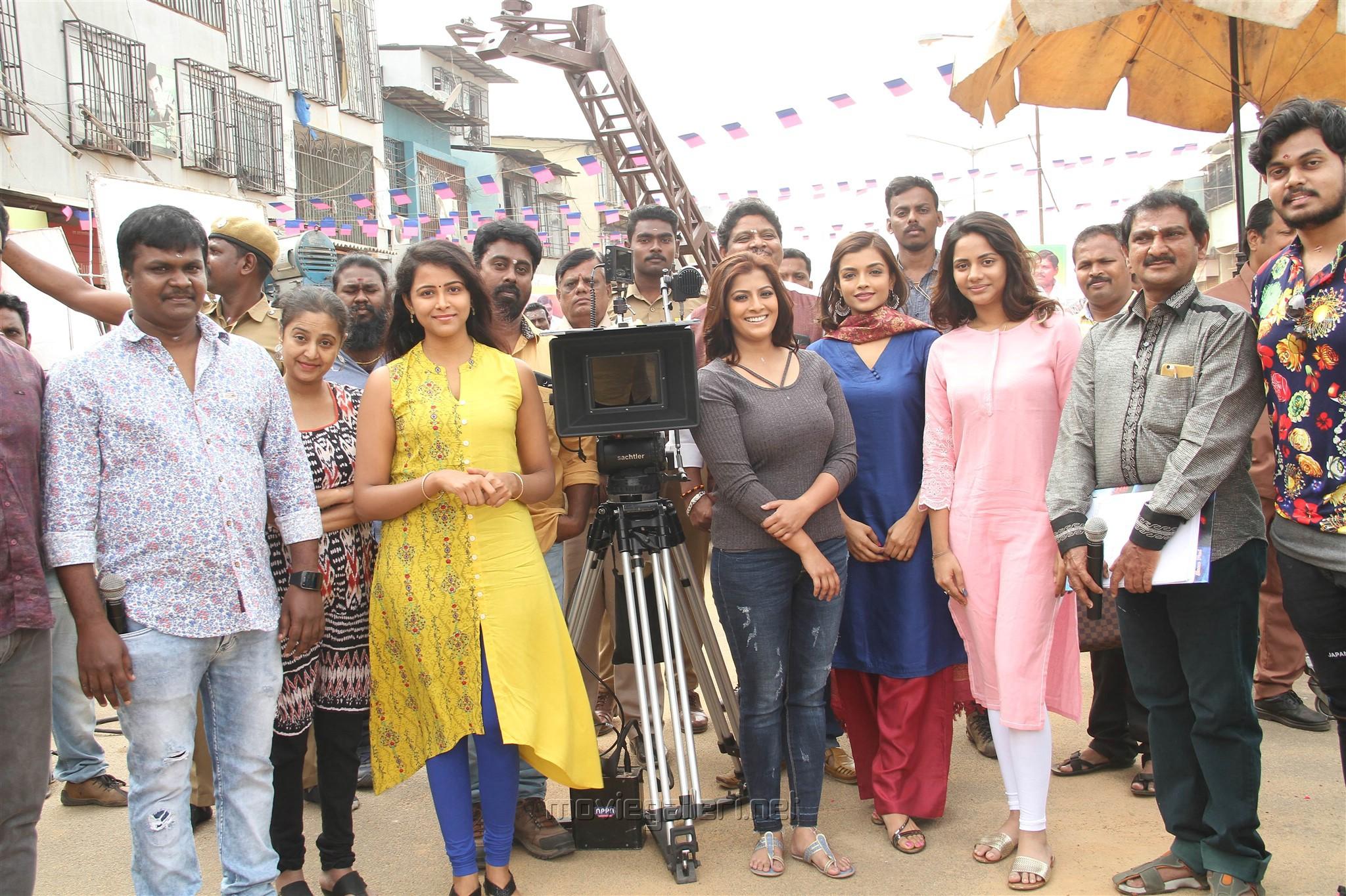 Sundar Balu, Subhiksha, Varalaxmi, Aishwarya Dutta, Ashna Zaveri @ Kannitheevu Movie Pooja Stills