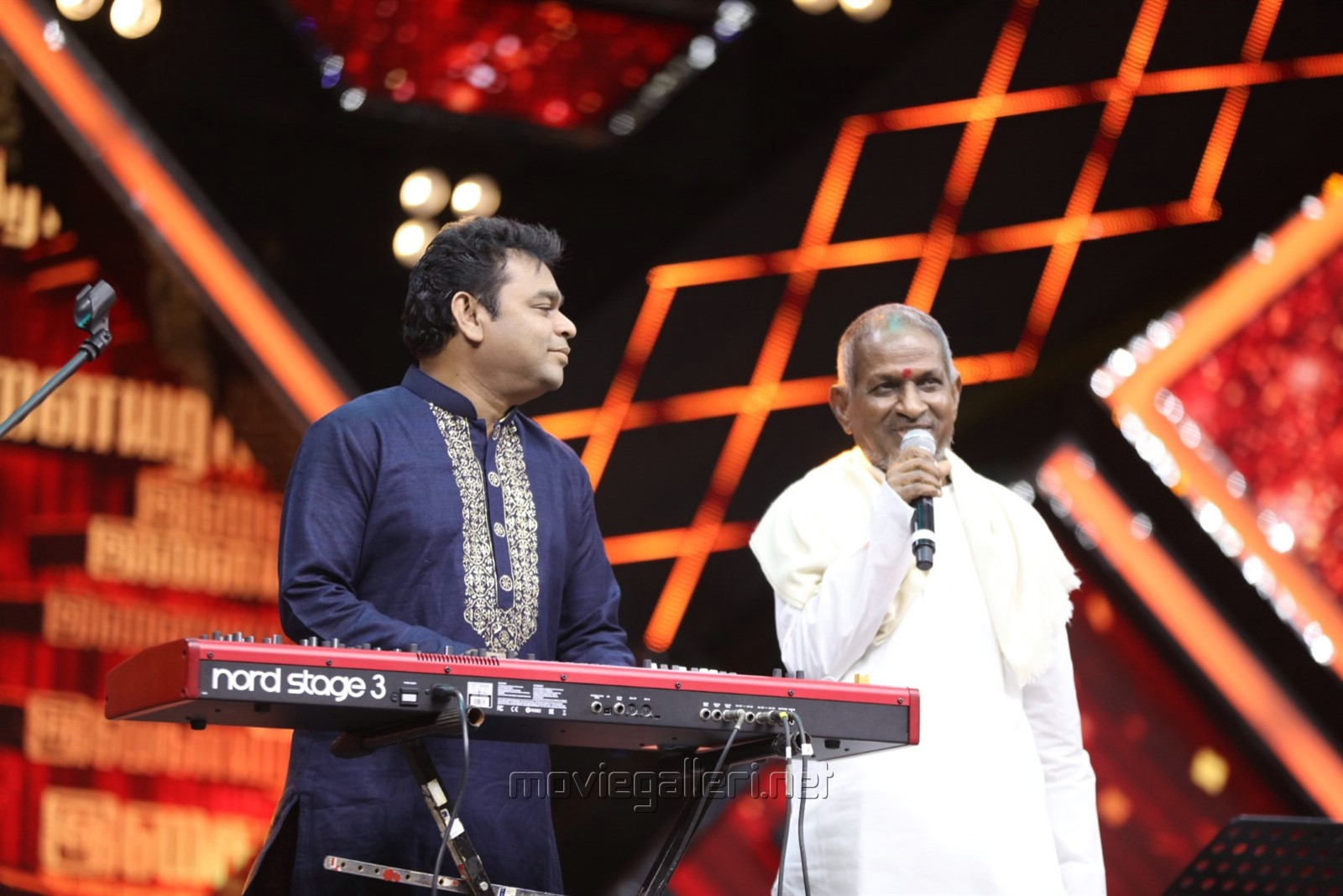 AR Rahman's Musical Piece & Ilayaraja's Emotional Joyful Tears @ Ilaiyaraaja 75