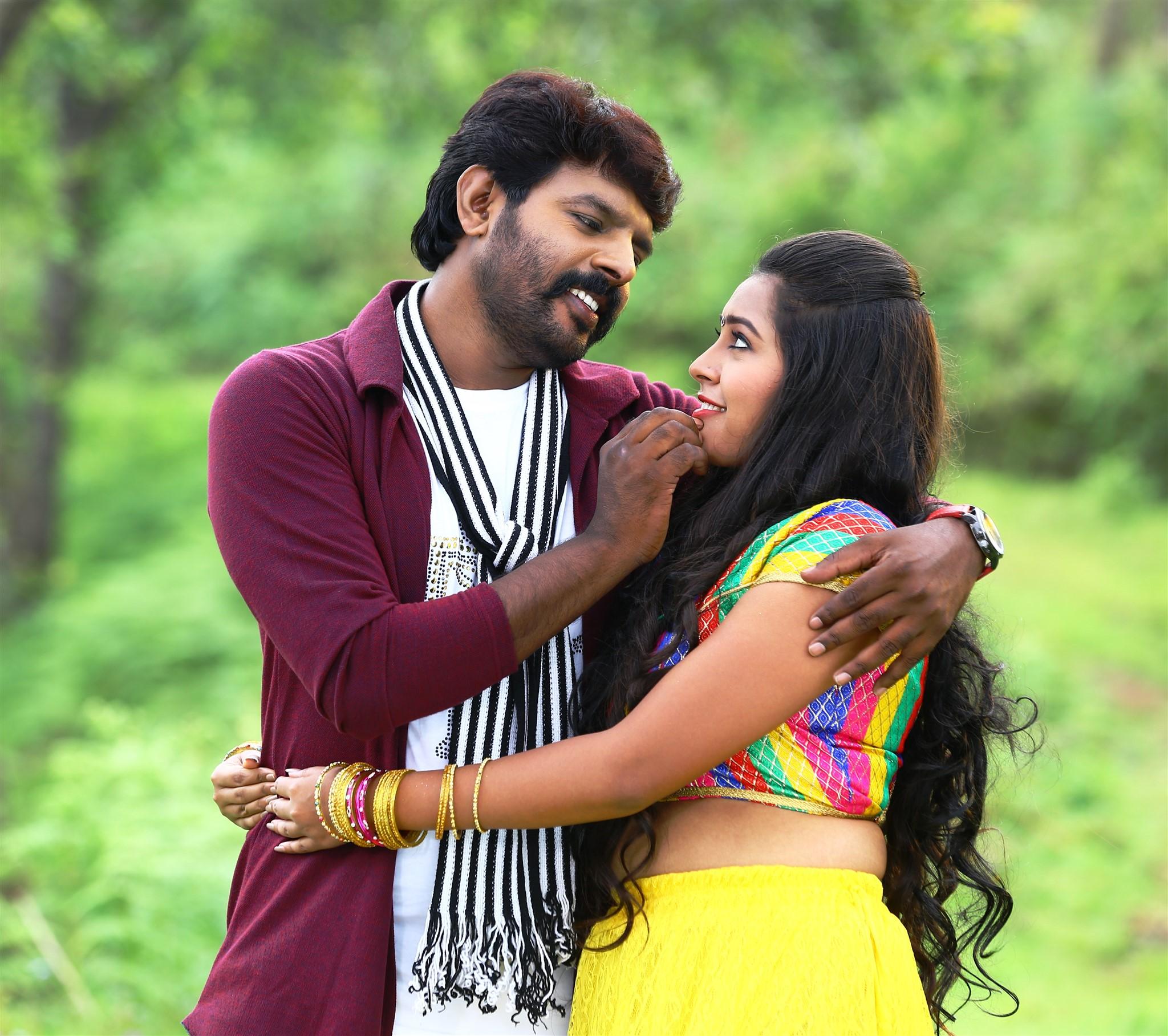 Actor VR Vinayak & Actress Meera Nair Avathara Vettai Movie Stills HD