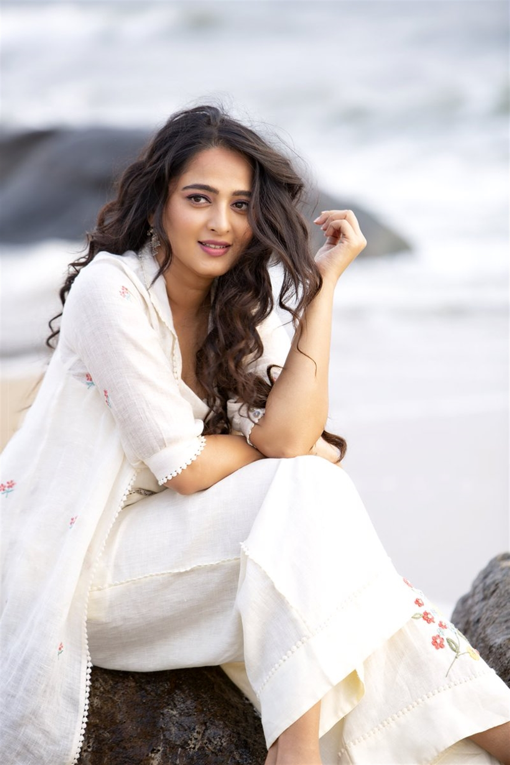 Actress Anushka Shetty New Look in White Dress Photos HD