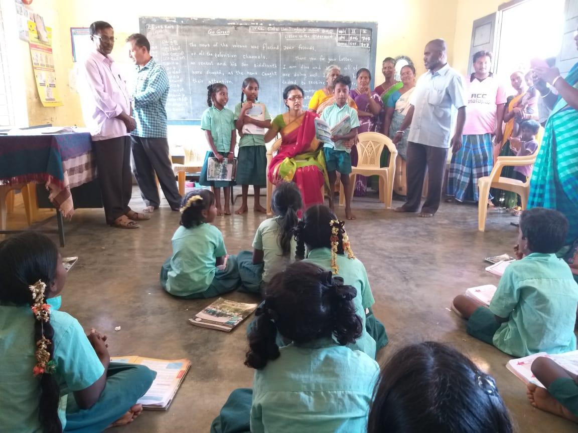 Actress Gautami helps Poor children in Thiruvannamalai