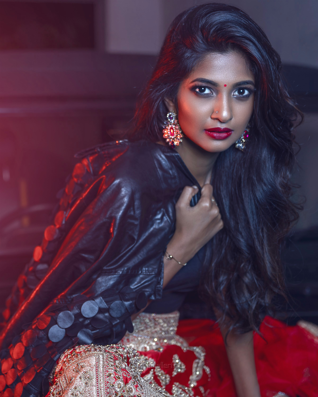 Actress Keerthi Pandian Photoshoot Stills HD