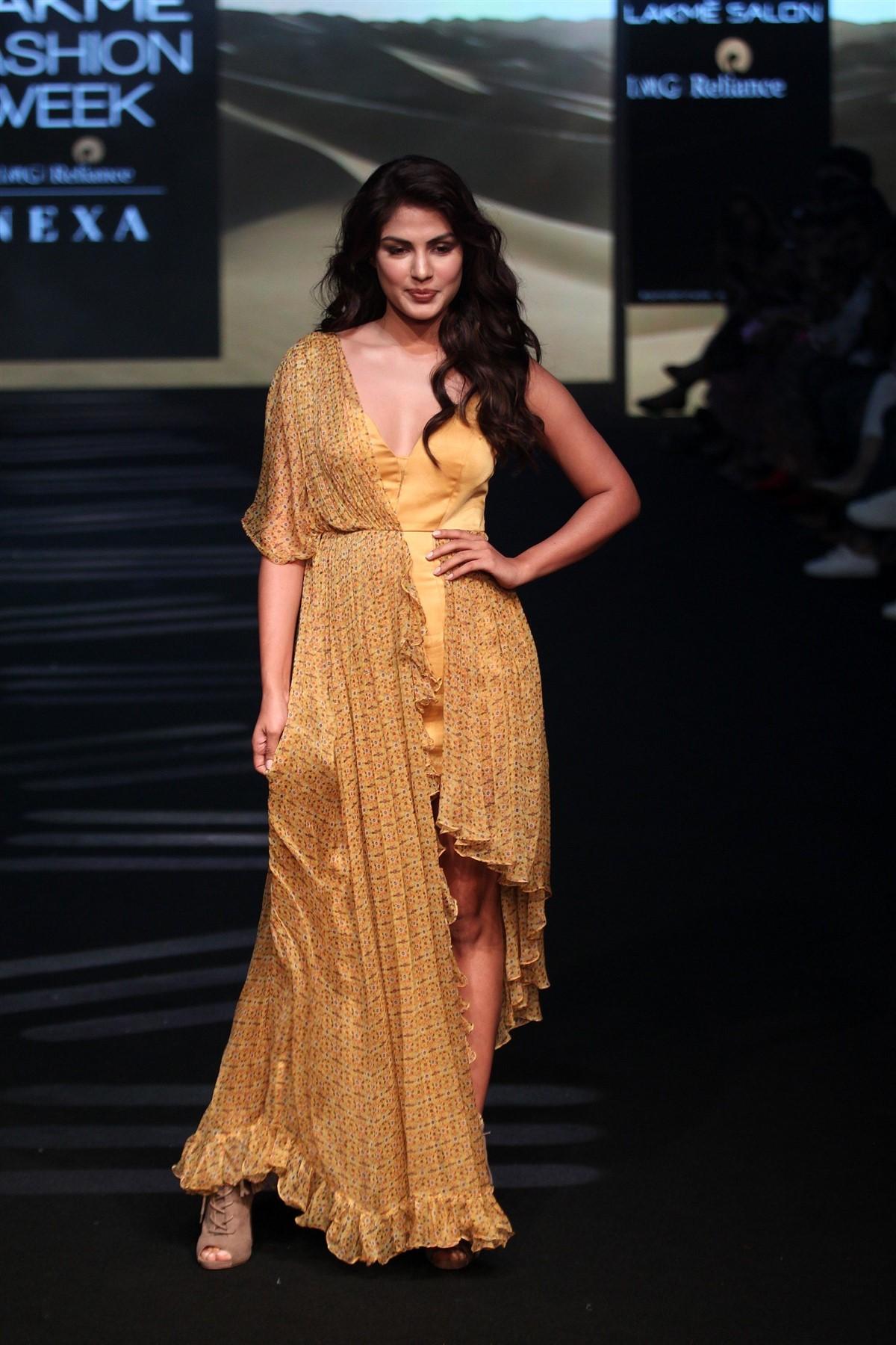 Actress Rhea Chakraborty @ Lakme Fashion Week 2019 Photos