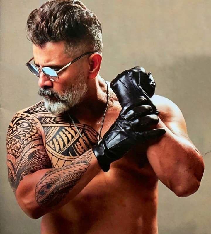 Chiyaan Vikram Kadaram Kondan Movie New Pics