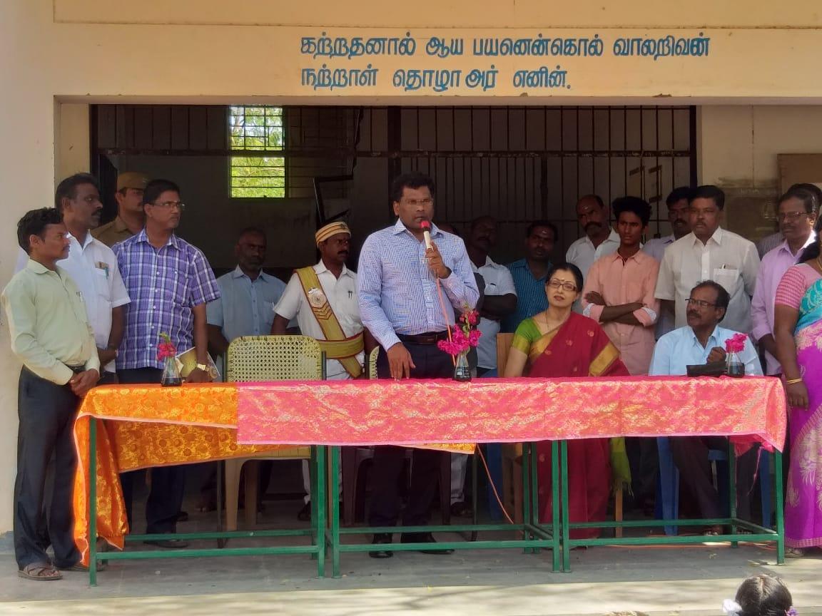 Gauthami helps Poor children in Thiruvannamalai