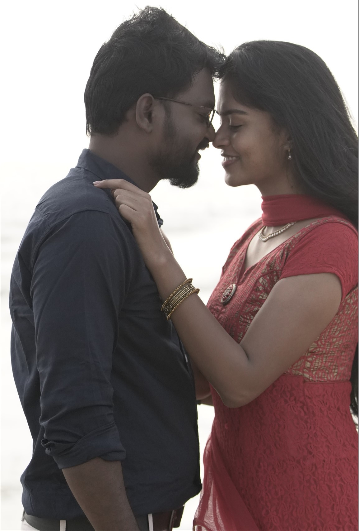 Masss Ravi, Lakshmi Priya in Kaathu Vaakula Oru Kadhal Movie Pics