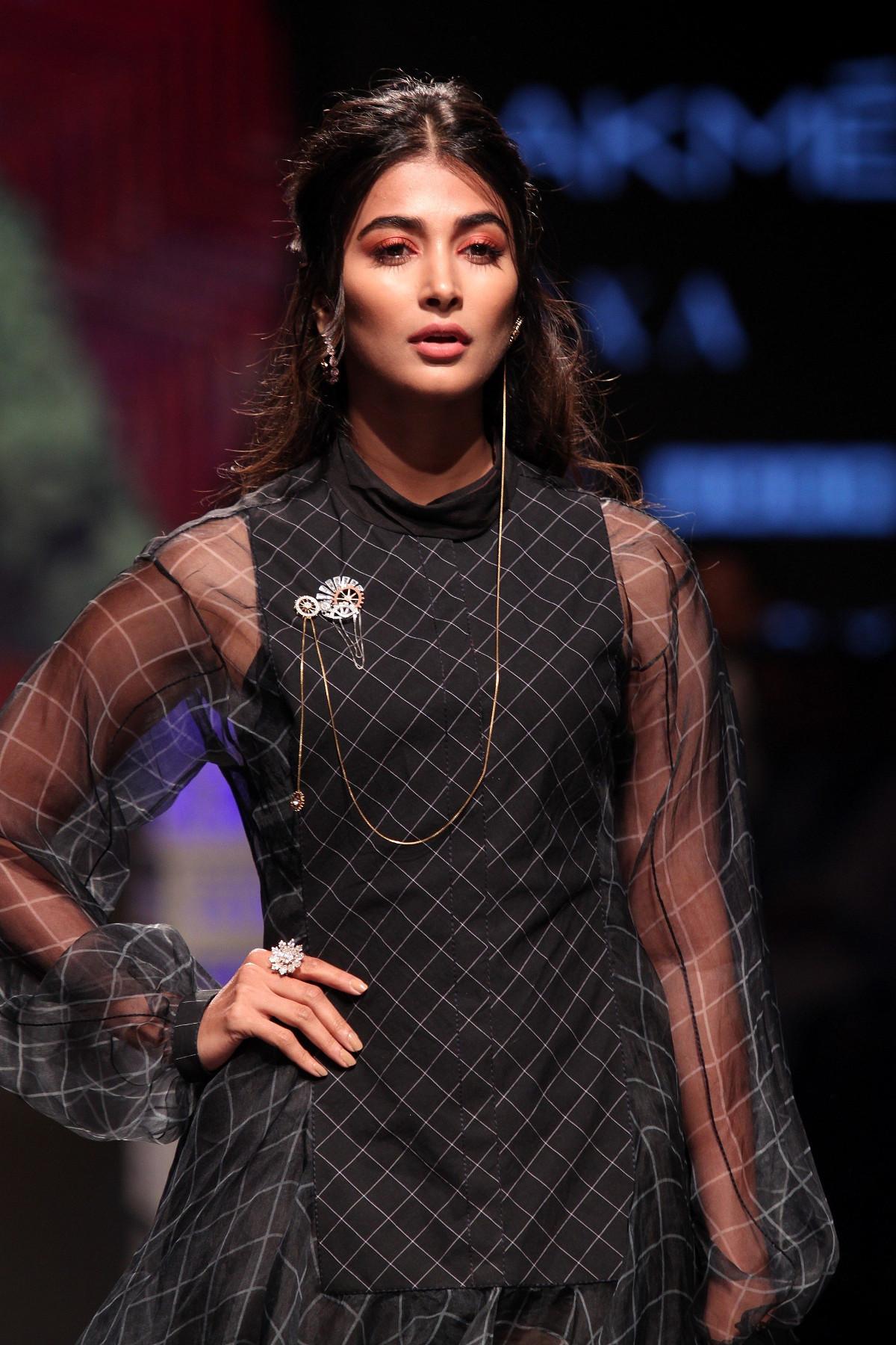 Telugu Actress Pooja Hegde Walks Ramp @ Lakme Fashion Week 2019 Day 4
