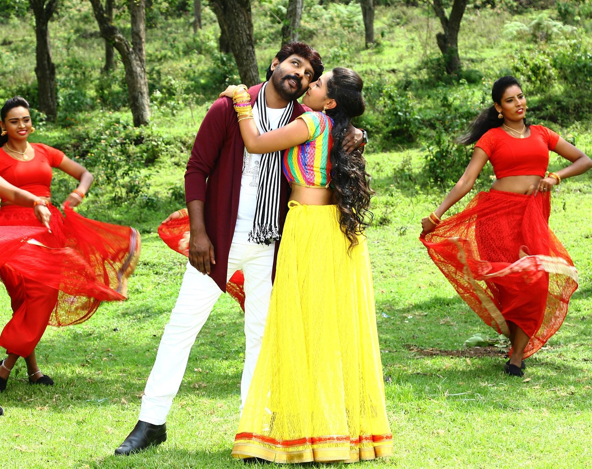 VR Vinayak Meera Nair Avathara Vettai Movie Stills HD
