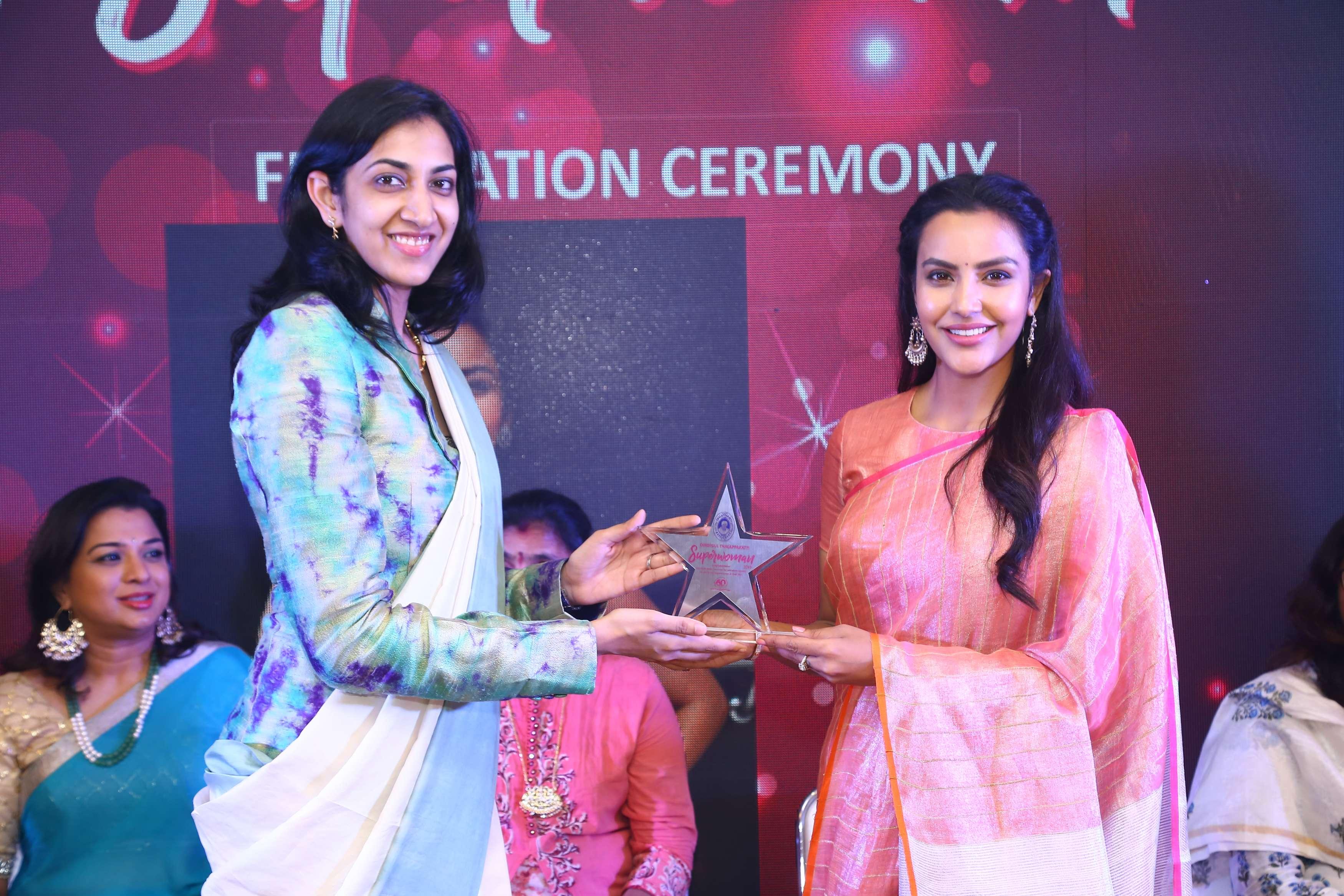 Dindigul Thalappakatti honoring Superwoman Felicitation to Priya Anand