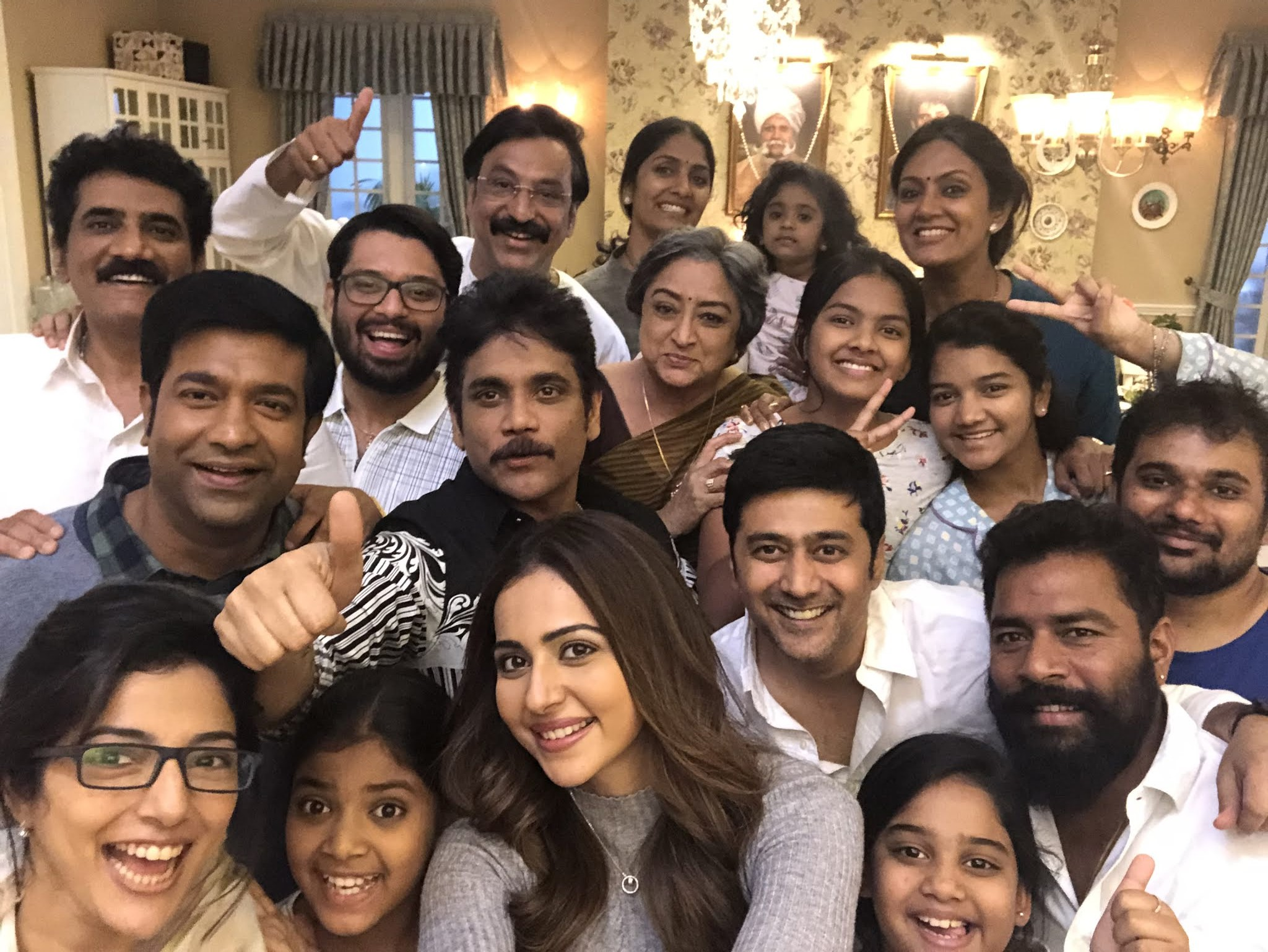 Nagarjuna Rakul Preet Manmadhudu 2 Shooting Started Photos