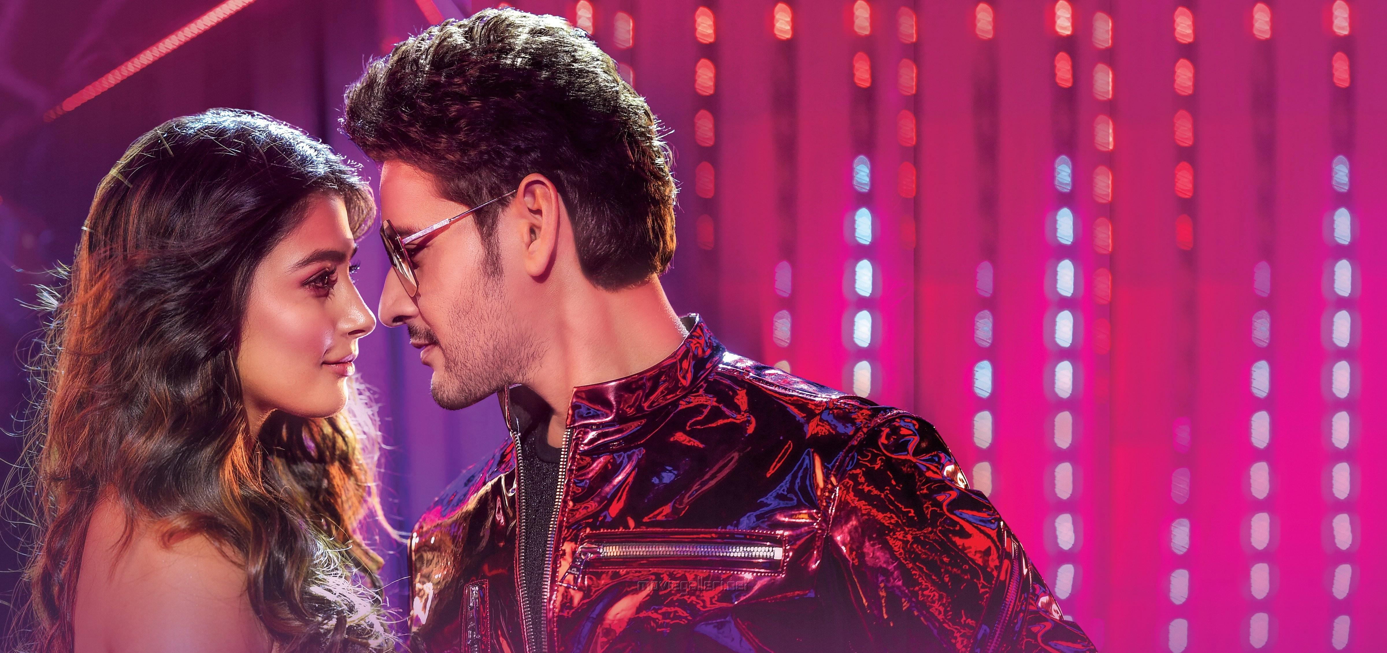 Pooja Hegde Mahesh Babu Maharshi Movie HD Wallpaper