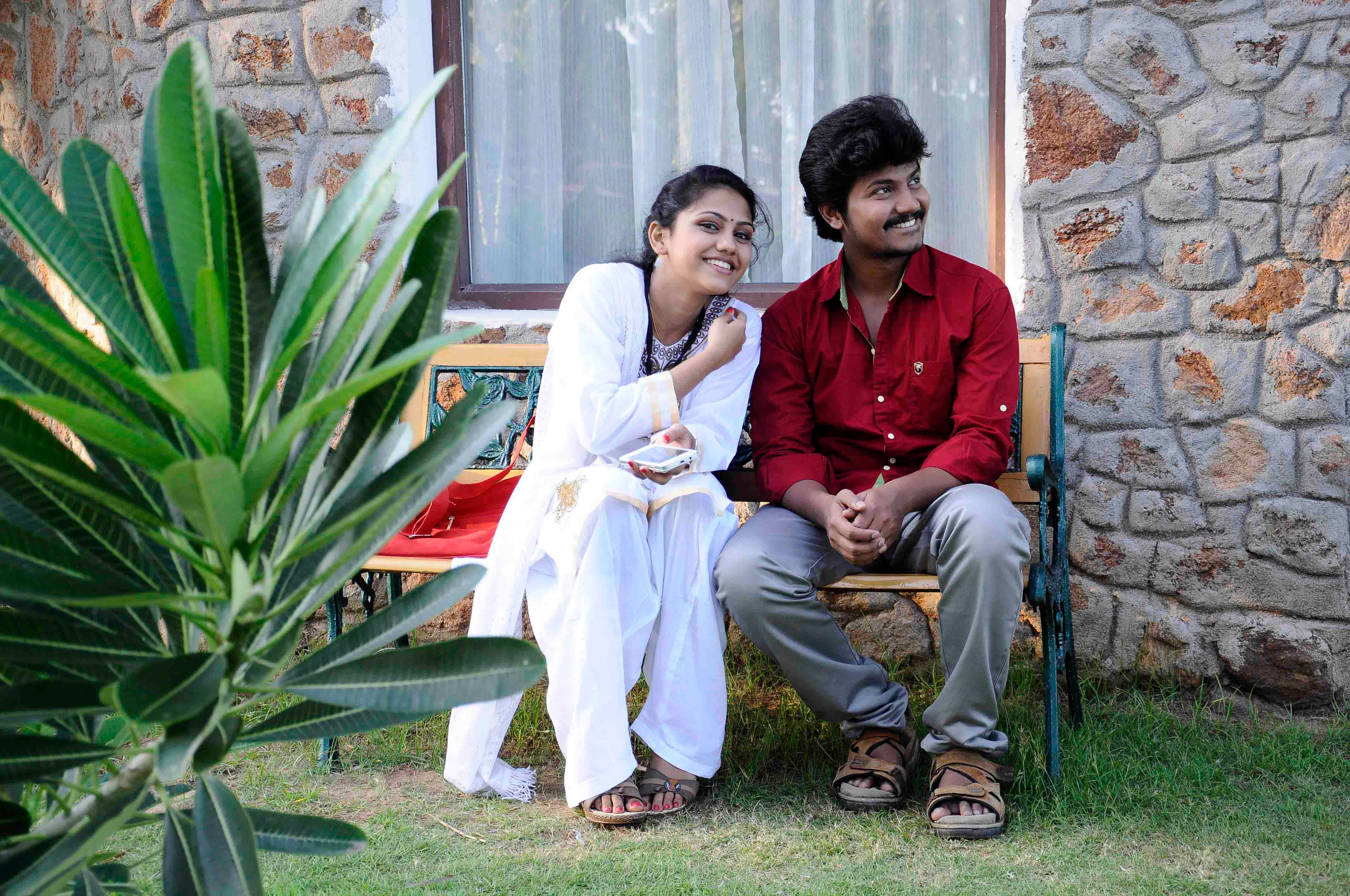Actress Manishajith on Kadala Poda Ponnu Venum Movie
