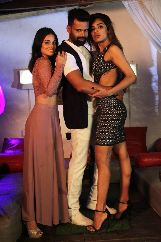 Aakarshika Goyal, Raj Surian, Nasreen Shaik in Naa Peru Raja Movie Stills