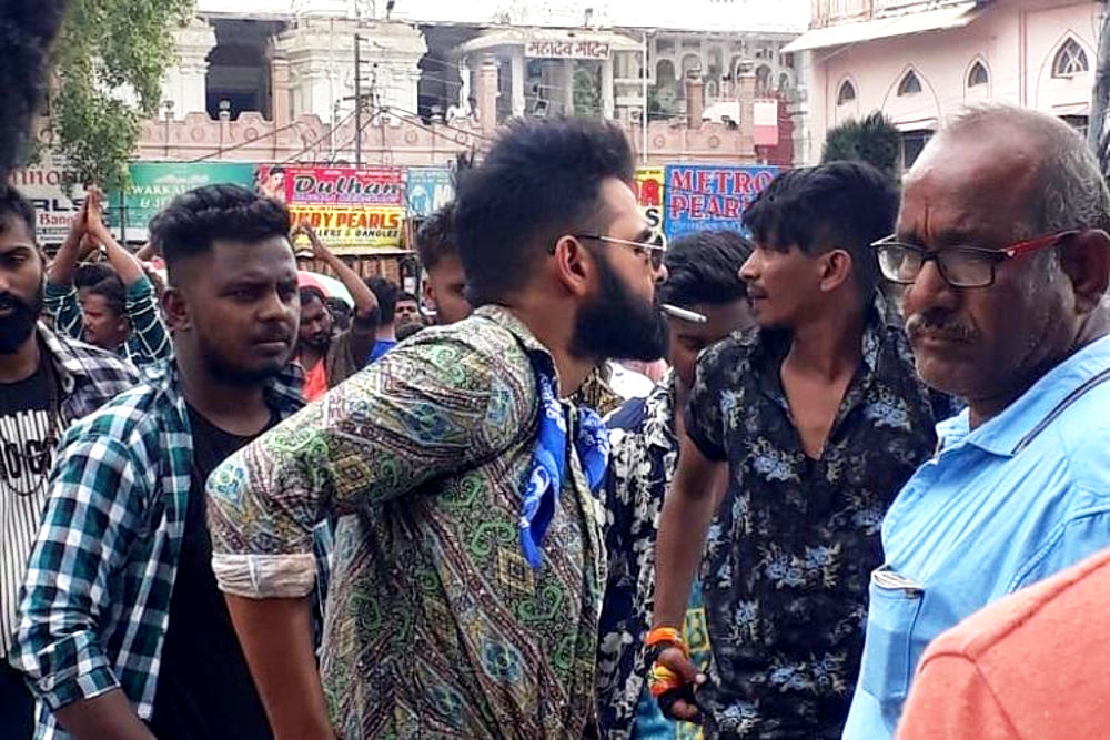 Actor Ram Pothineni smoking in Public at Charminar Area Hyderabad
