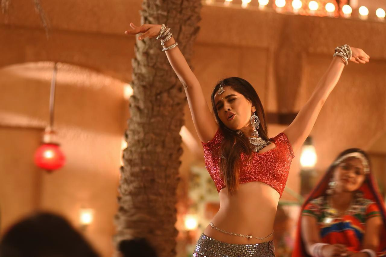 Actress Nabha Natesh hot glamour in the New Dimmak Kharab lyrical video from iSmart Shankar Movie