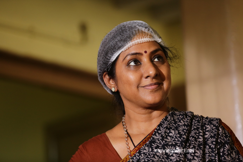 "Actress Rohini's unbelievable transformation for ""Market Raja MBBS"" Movie"