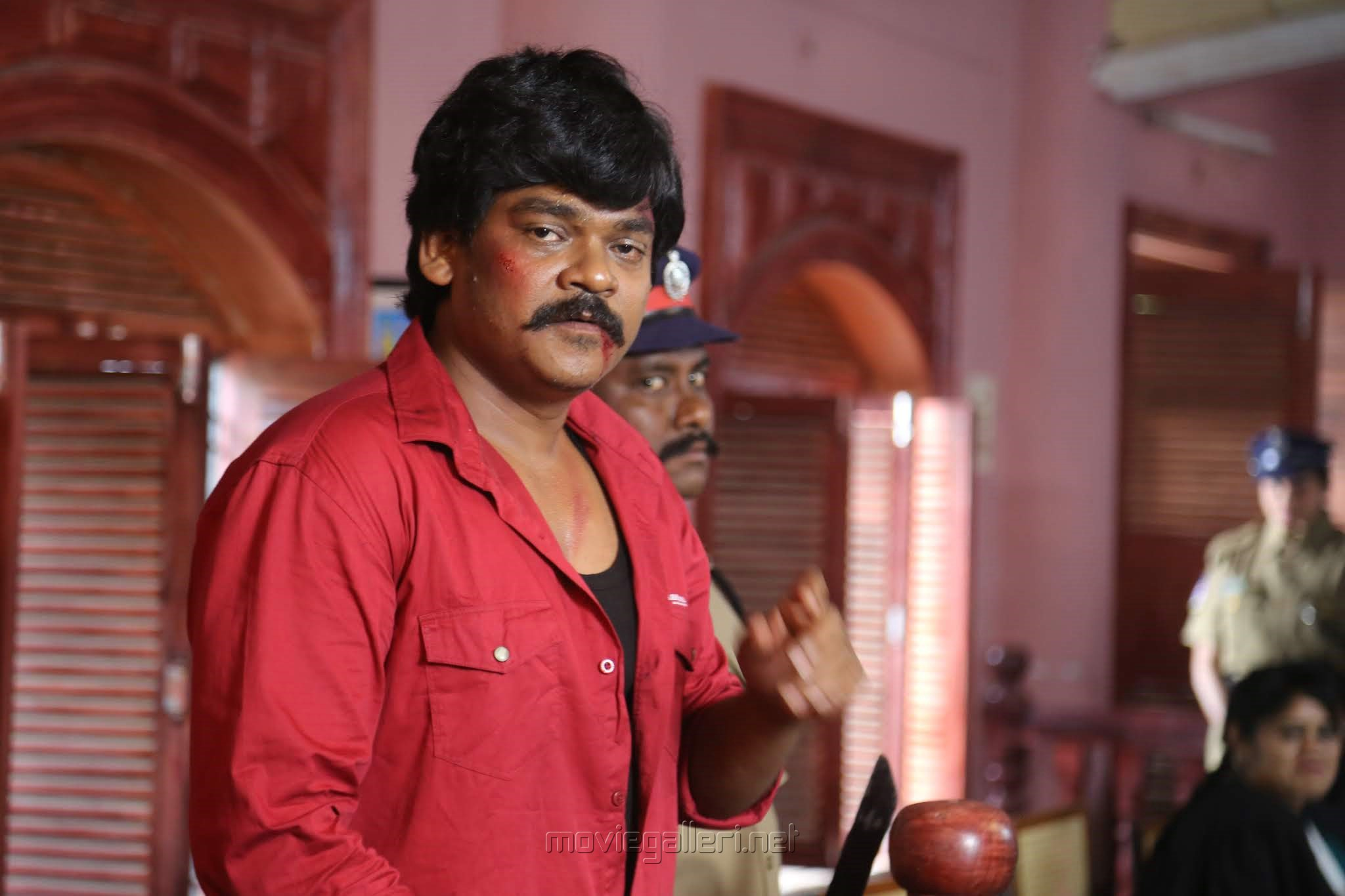 Hero Shakalaka Shankar in Nene Kedi No 1 Movie Stills HD