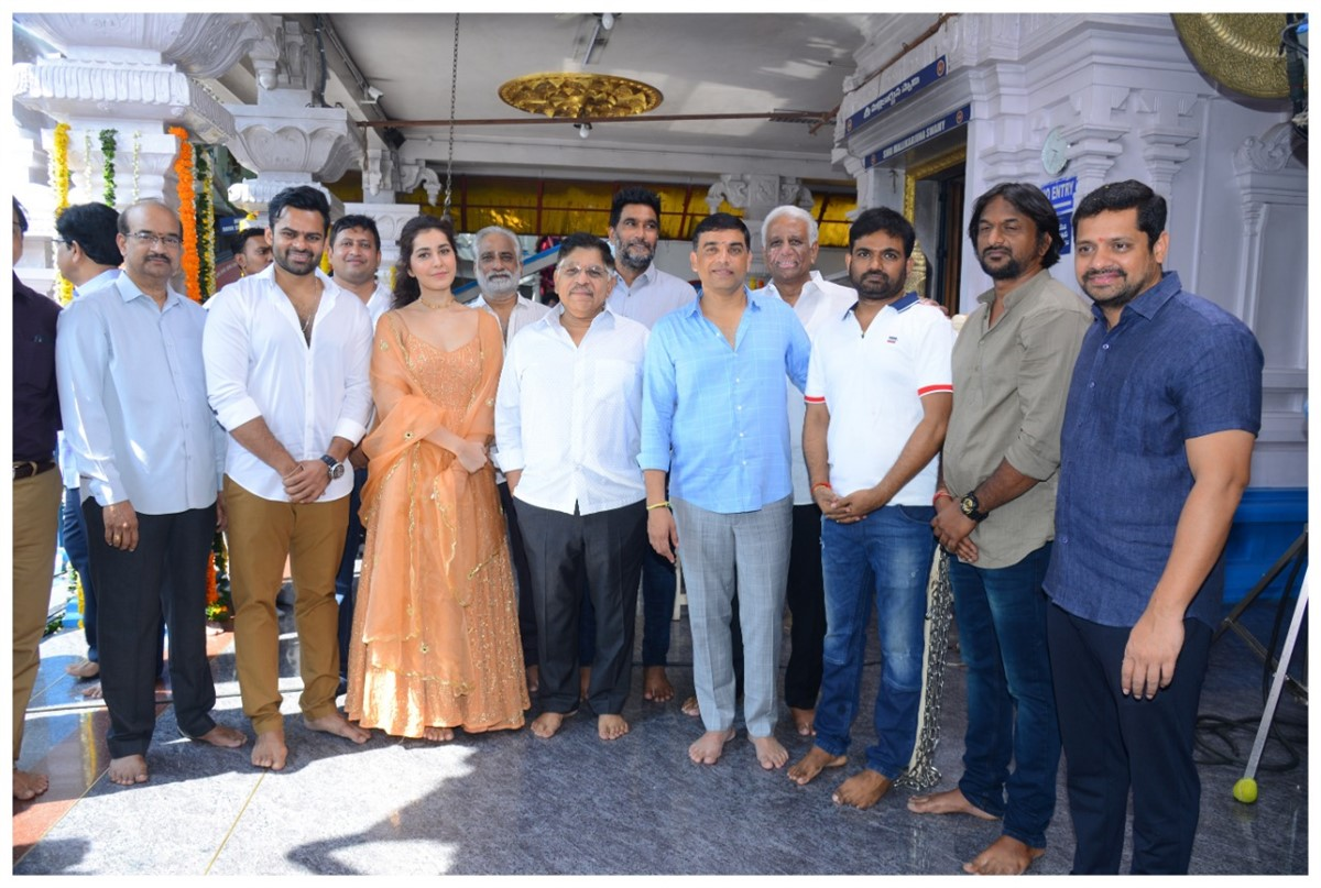 Prati Roju Pandaage Telugu Movie Pooja Stills