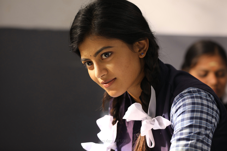 Actress Anandhi in Enge Andha Vaan Movie Stills HD