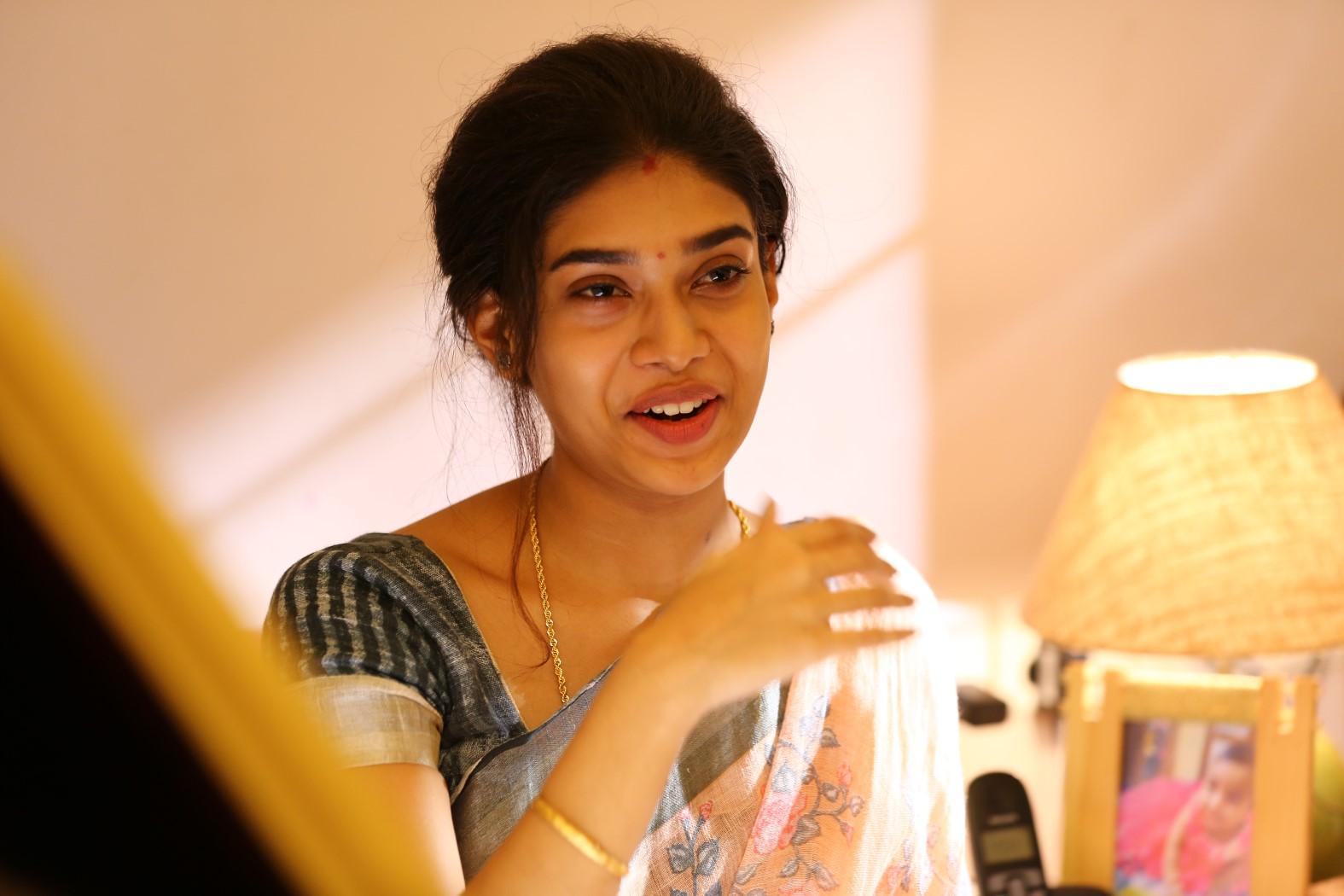 Actress Dushara on Bodhai Yeri Budhi Maari Movie