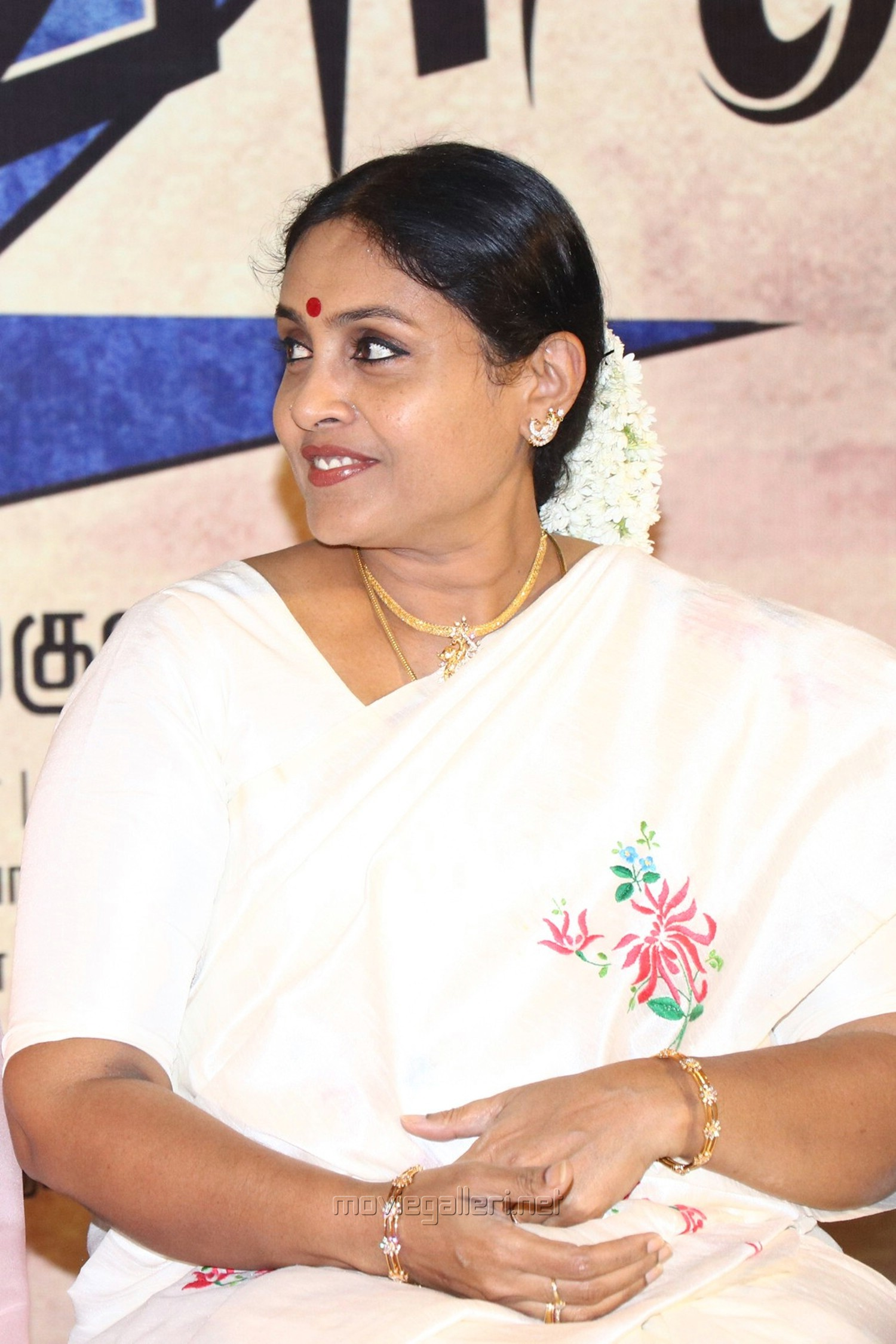 Actress Saranya Ponvannan Cute Images @ Kalavani 2 Movie Press Meet