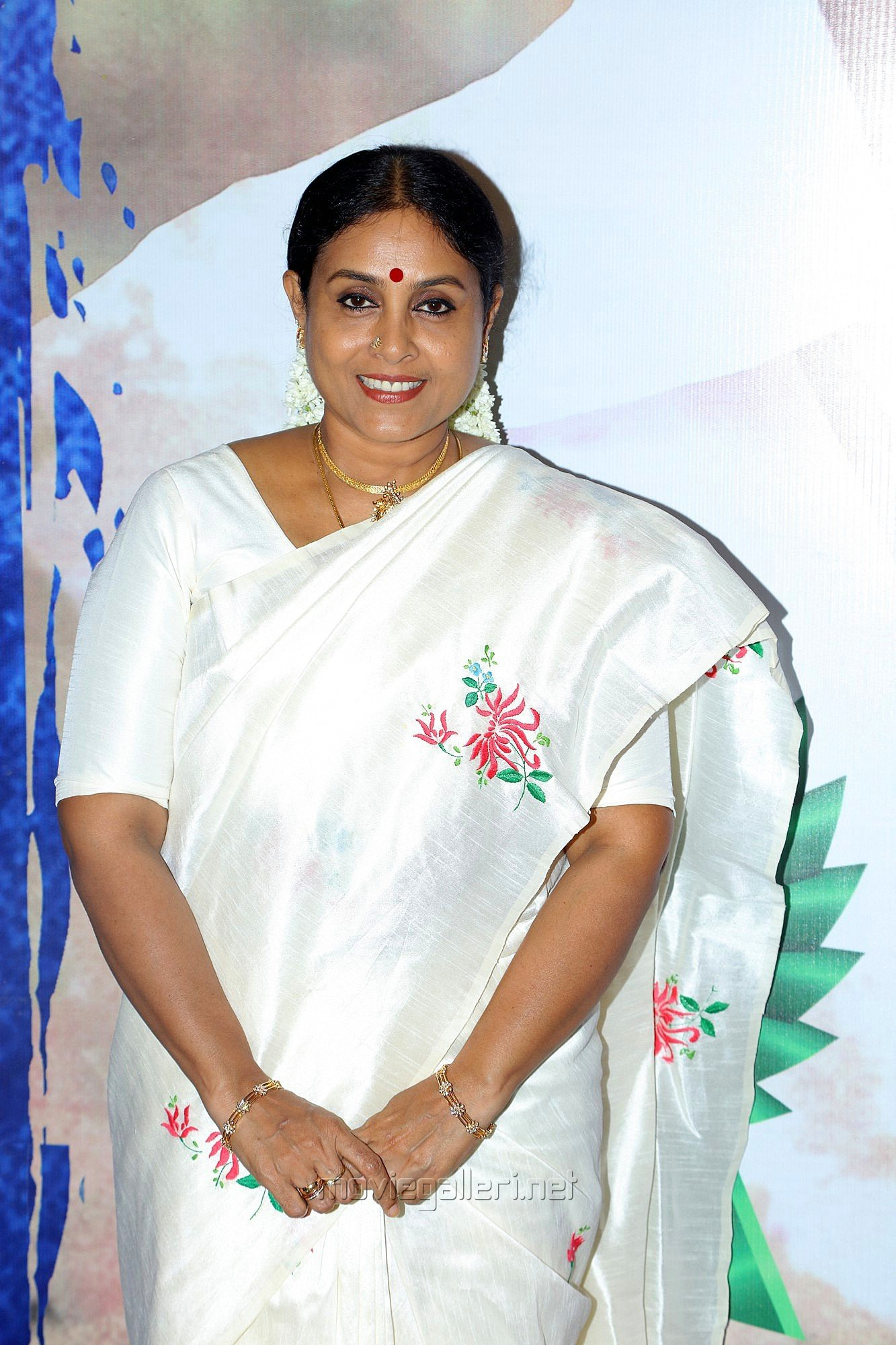 Actress Saranya Ponvannan HD Images @ Kalavani 2 Movie Press Meet