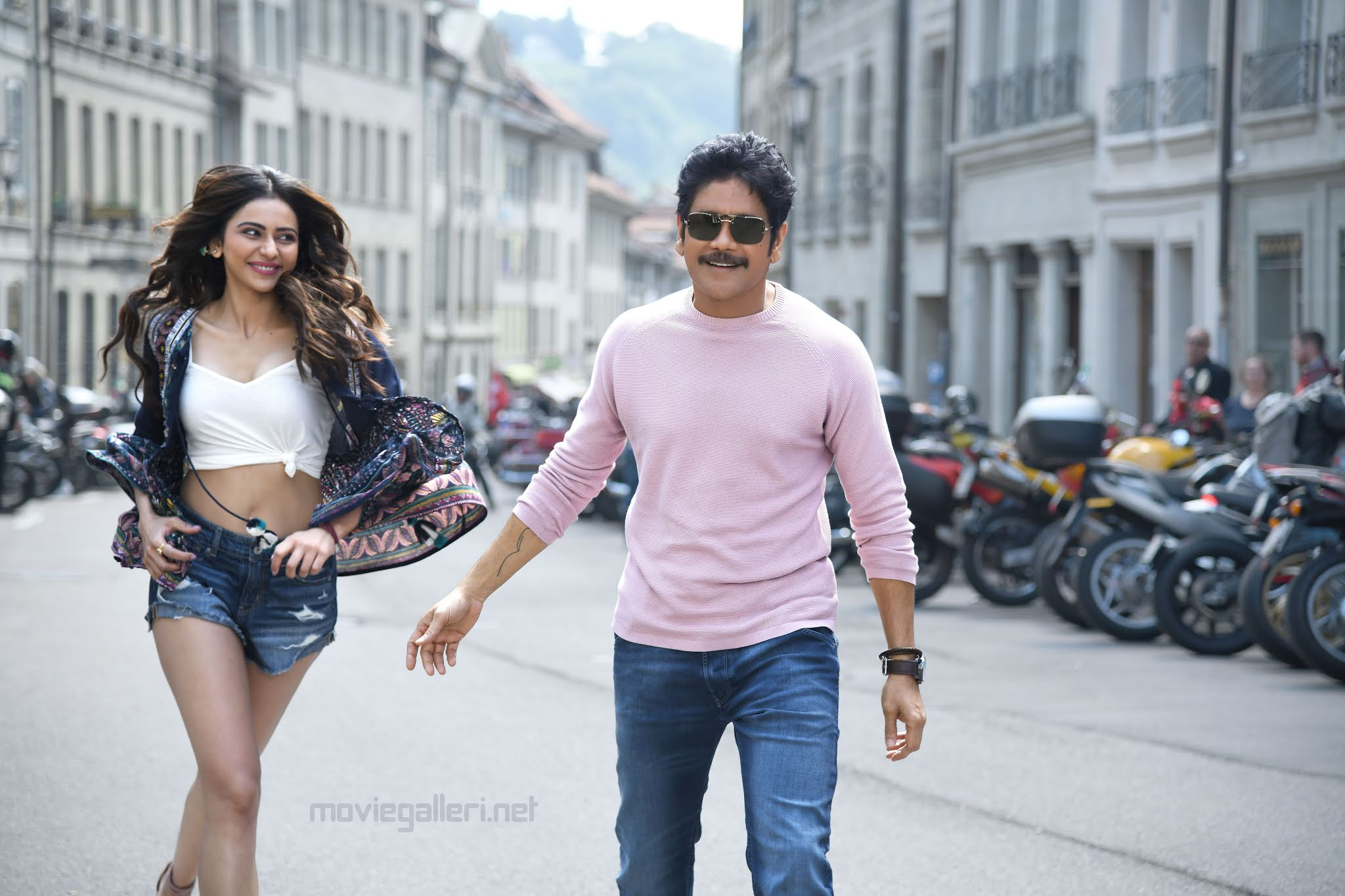 Nagarjuna Akkineni, Rakul Preet's 'Manmadhudu 2' Trailer is all set to launch on July 25th
