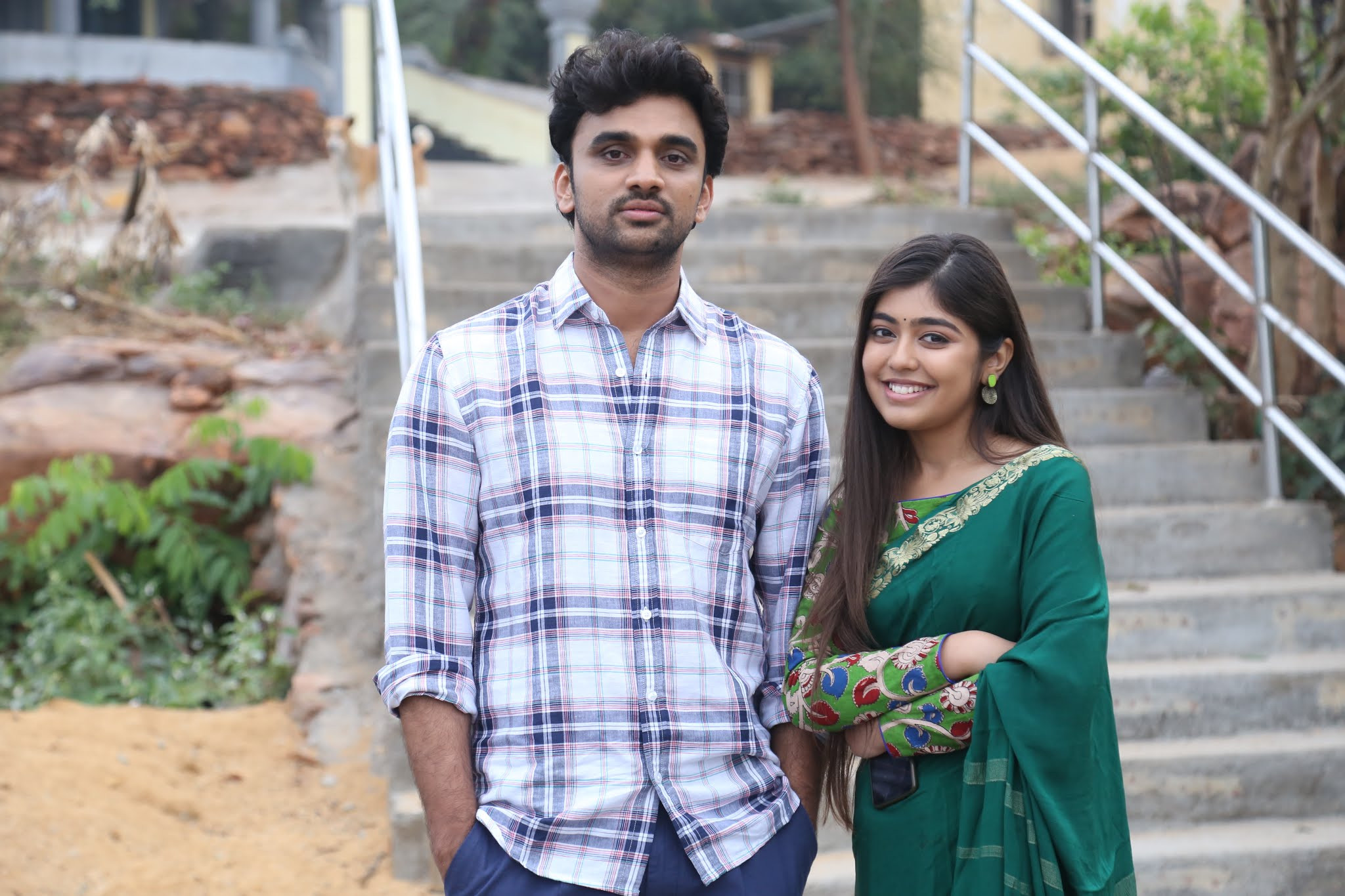Rakesh Varre, Gargeyi Yellapragada in Evarikee Cheppoddu Movie Stills