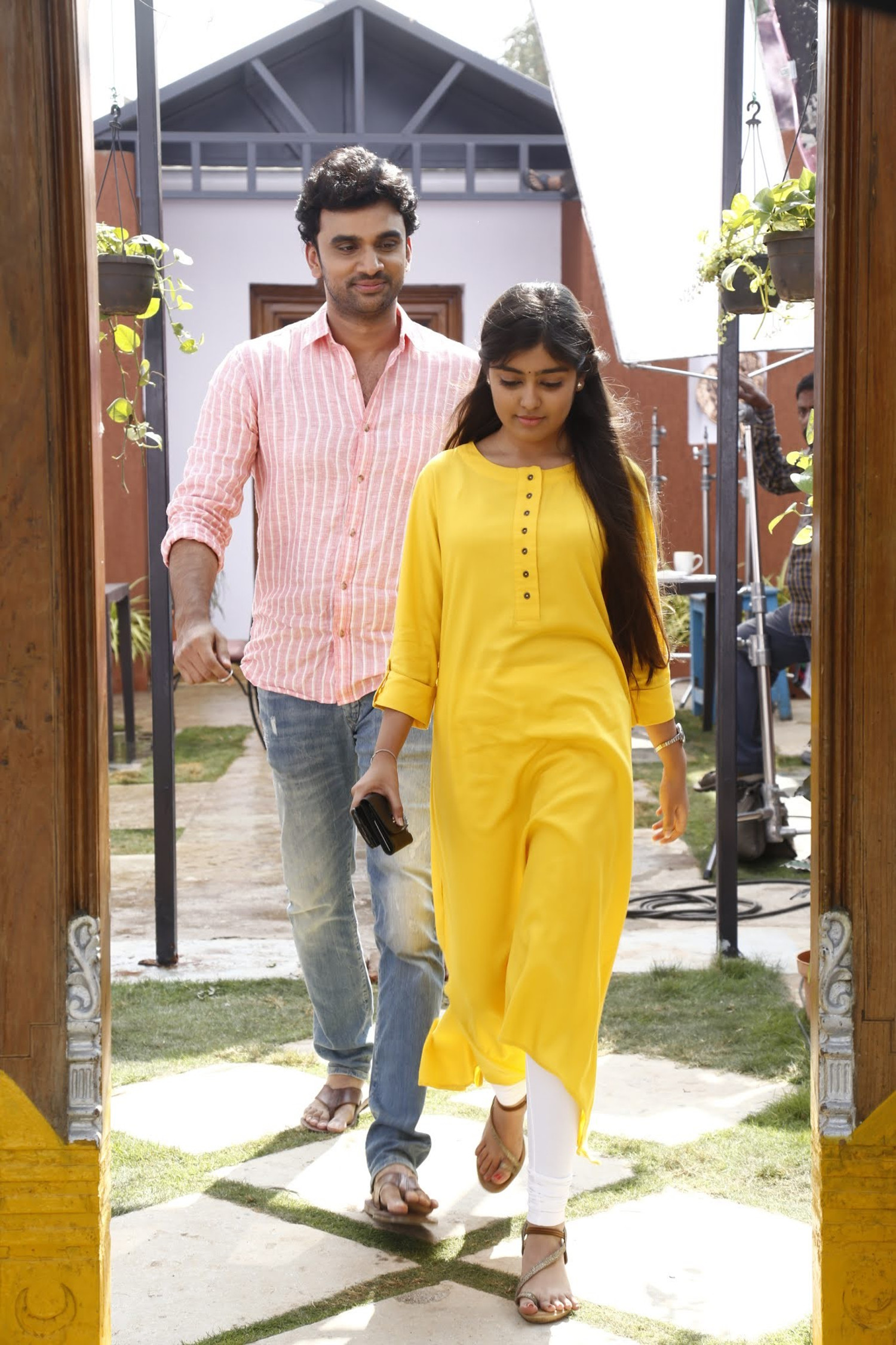 Rakesh Varre, Gargeyi Yellapragada in Evariki Cheppadu Movie Stills