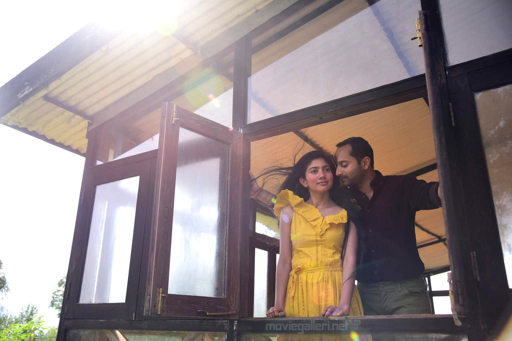 Sai Pallavi Fahadh Faasil Athiran Telugu Movie Stills HD