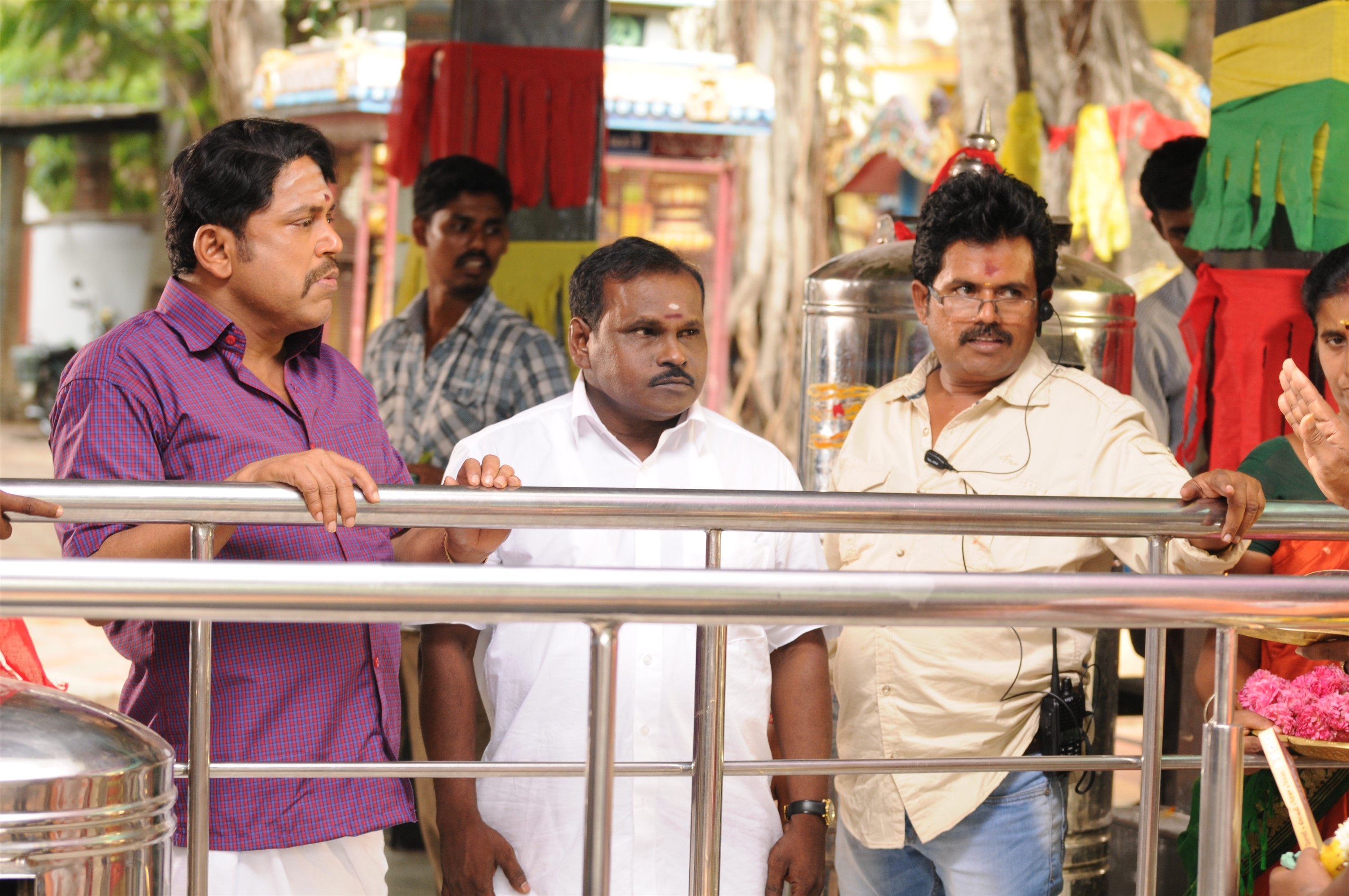Thambi Ramaiah & George @ Thanni Vandi Movie Stills HD