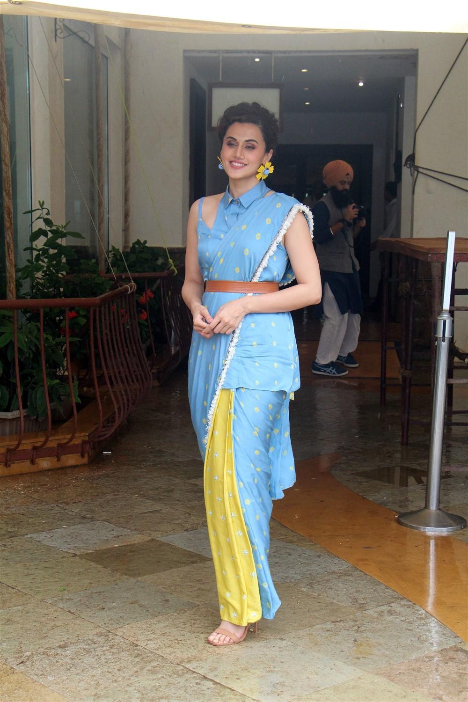 Actress Taapsee Photos @ Mission Mangal Press Meet