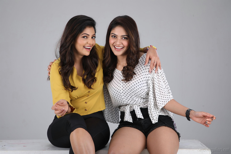 Athulya Ravi, Vaibhavi Shandilya in Kepmari Movie Stills HD