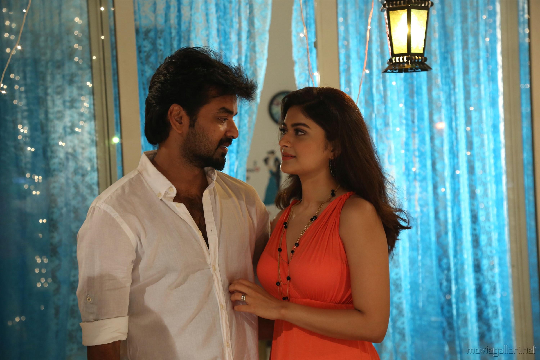 Jai, Vaibhavi Shandilya in Kepmari Movie Stills HD