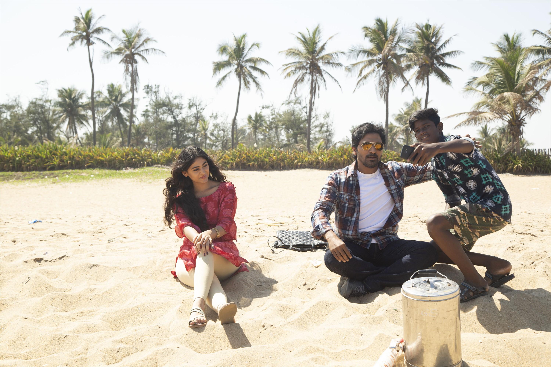 Pallak Lalwani Vaibhav Sixer Movie Pics HD