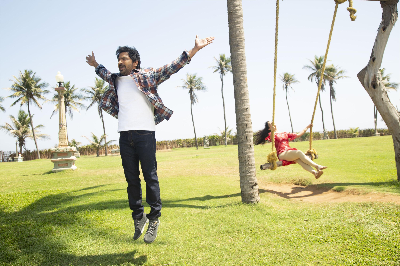 Vaibhav Palak Lalwani Sixer Movie Pics HD