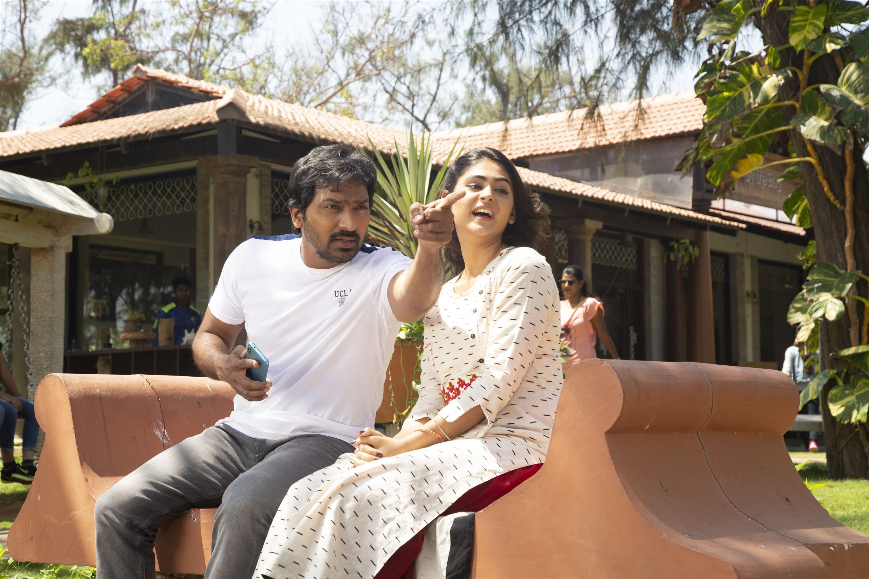 Vaibhav Pallak Lalwani Sixer Movie Pics HD