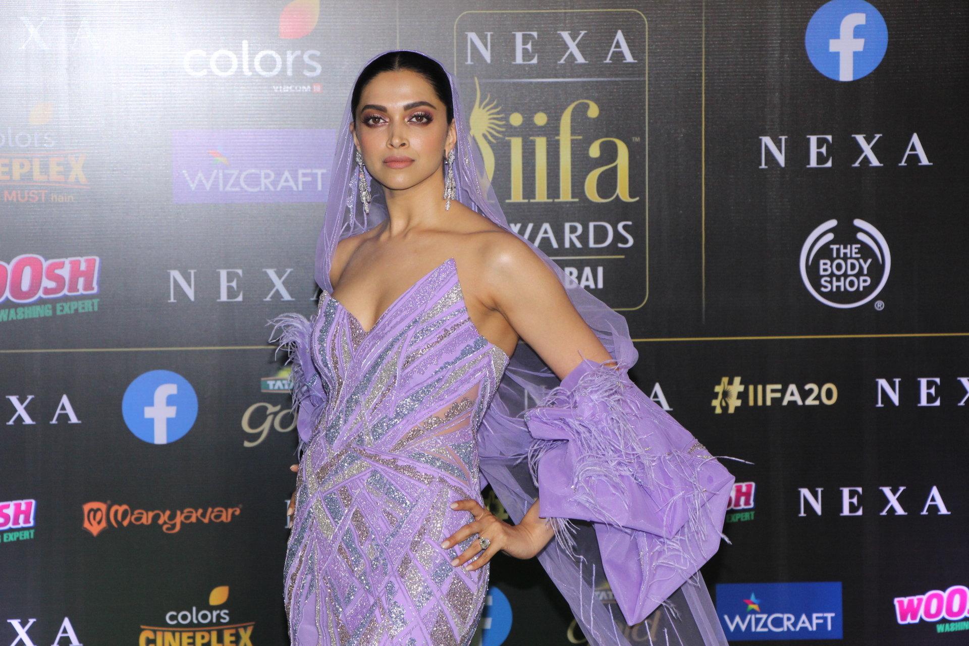 Actress Deepika Padukone @ IIFA Rocks 2019 Green Carpet Photos