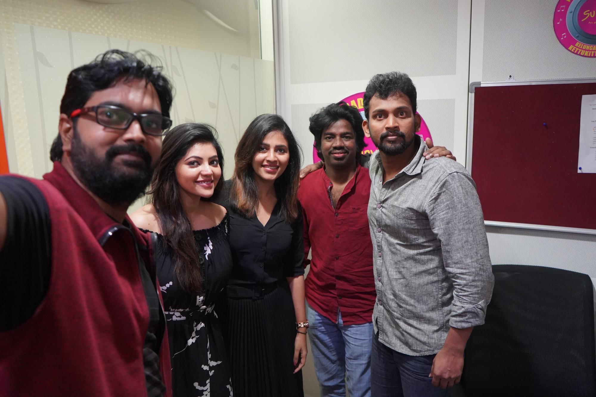 Athulya, Anjali, Justin Prabhakaran, Bharani @ Naadodigal 2 Audio Release Suryan FM Stills